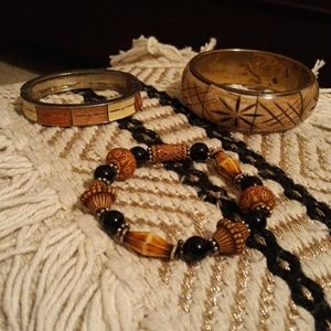 Jewelry - 🖐$3🖐 Brown, Tan, constume Jewelry bracelets